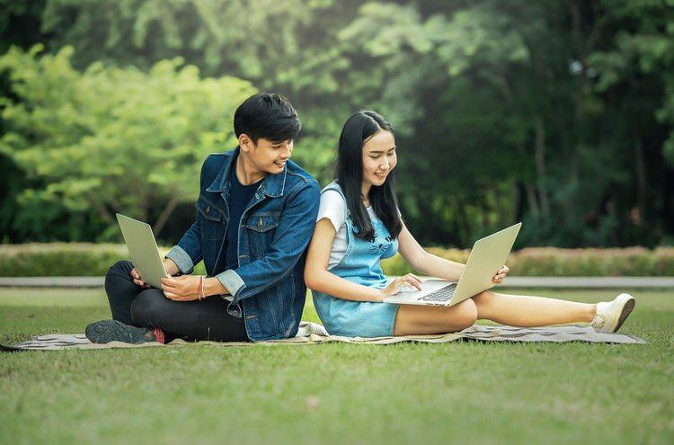 おススメのプログラミングスクール3社、副業、独立、転職を目指す方へ【無料、返金あり】