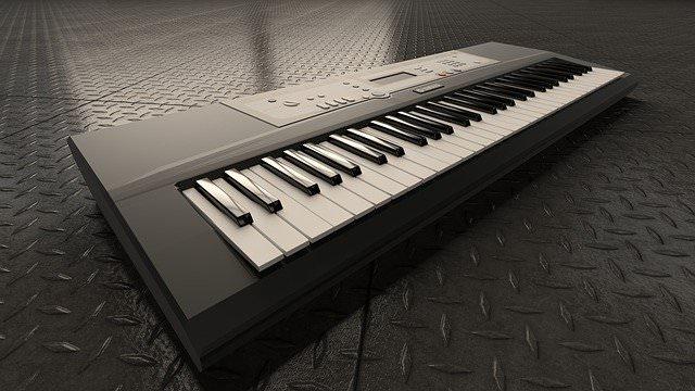 パソコンを使ったピアノの打ち込み【いきなり全部そろえるのはきついのでフリーも活用】