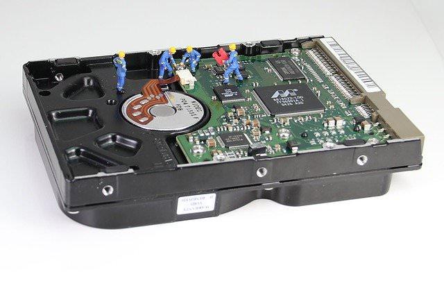 パソコンの修理や買い替えを検討される方へ【モニターが映らない原因対処が難しい方へ】