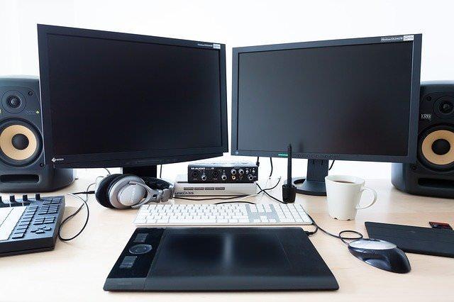 パソコンを二画面に増やす方法